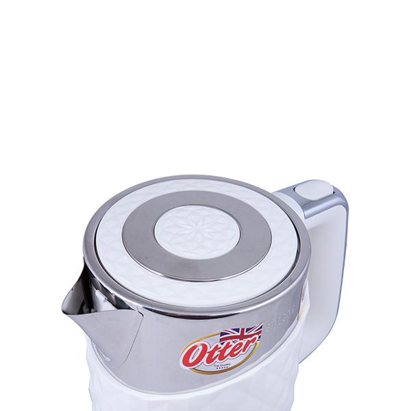 Bình siêu tốc cao cấp Elmich KEE-0217 mở nắp trên tay cầm của ấm