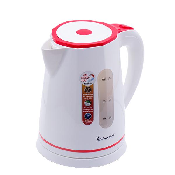 Ấm siêu tốc Smartcook KES- 0696 có thang đo nước tiện lợi